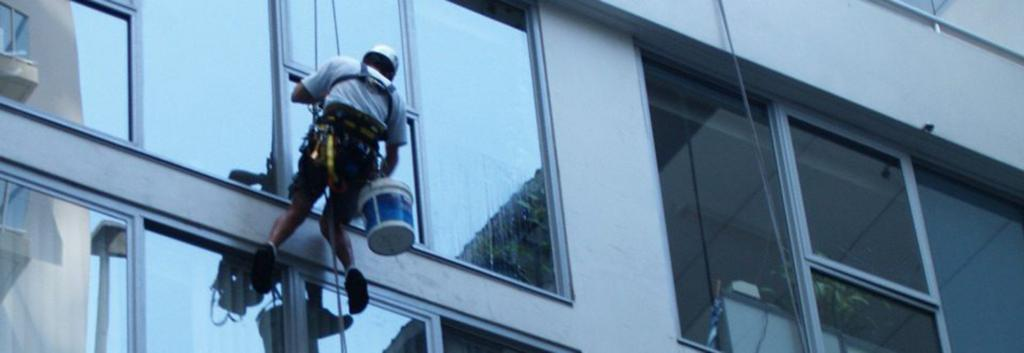 Window Cleaning on ropes